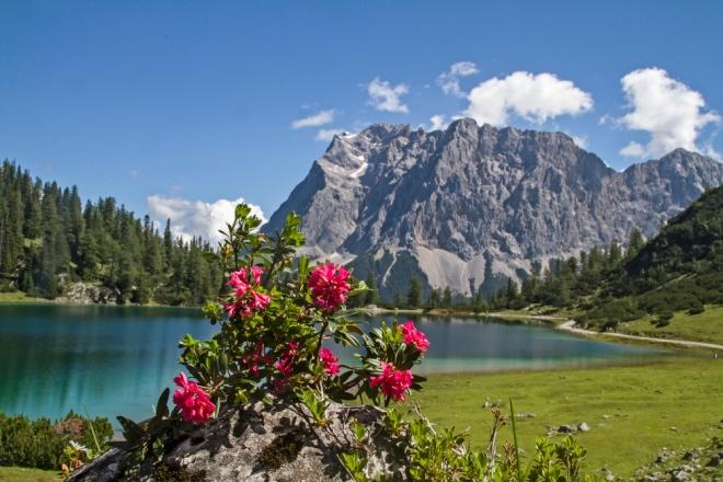 lake Seeeben and Zugspitze
